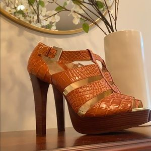 MICHAEL Michael Kors sz 9.5 sexy platforms orange!